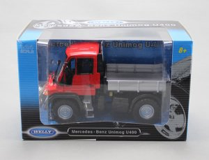Welly Diecast Model Mercedes Benz Unimog U400 Truck Red Color 1/24 22098W