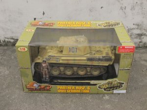 21st ULTIMATE SOLDIER German Tank Panther AUSF.G 1/18 Model Camouflage Version