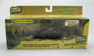 Forces of Valor Diecast WWII US M4A1 Sherman Tank and 8x Soldiers Set 1/72